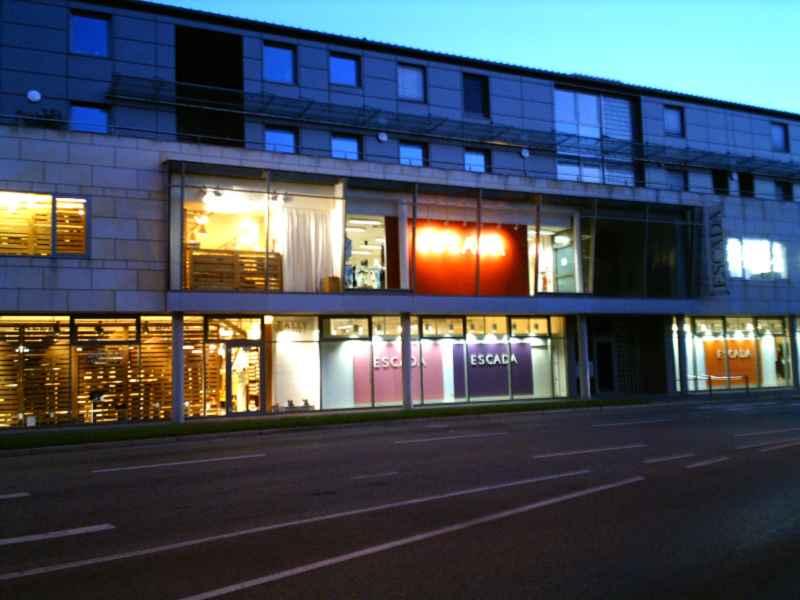 Werksverkauf und outlet store shops metzingen for Ledersofas outlet und fabrikverkauf